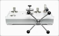 液体圧比較器/ポンプ