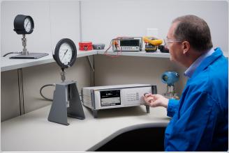 フルーク8370A高圧コントローラ・校正器(CPS付)