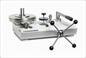 液圧式重錘形圧力計 P3100